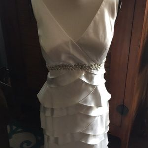 NWT Jessica Howard formal dress with satiny layers